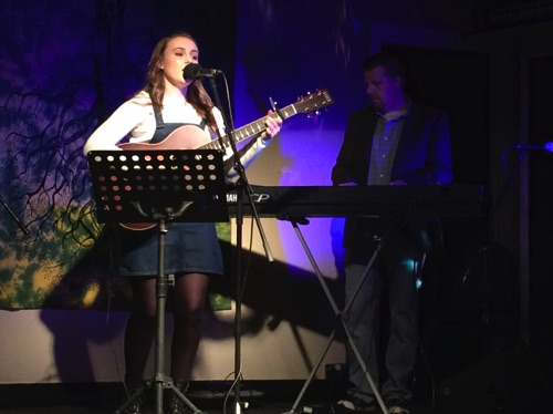 Amy Claire Kontra Roots Club 22/4/16